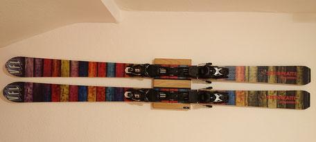 Wandhalterung Wandmontage Steiplatte Ski horizontal vertikal Ski EIche Holz Halterung wall mount