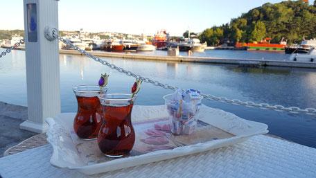 Bild: Tee in Yeniköy Istanbul