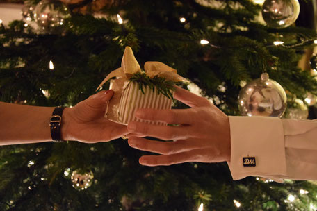Bild: Manschettenknöpfe als Geschenk
