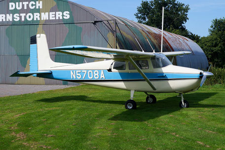 Cessna C172 Skylane - N5708A