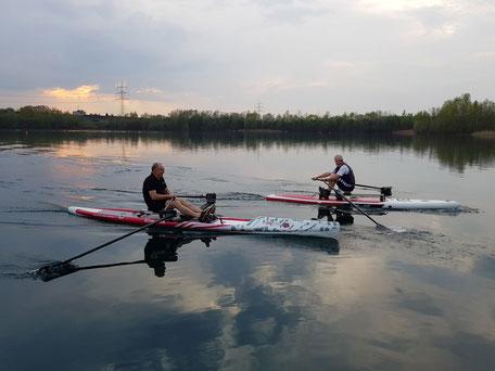 ROWonAIR Neusser Ruderverein AIRSKIFF mit RowVista gegen SUP mit RowMotion Wettrudern