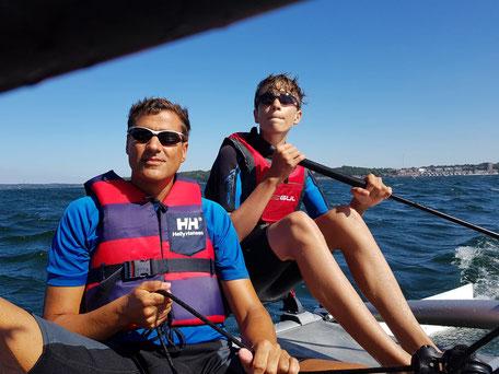 XCAT-Segelkatamaran | Ostsee, Vater und Sohn segeln