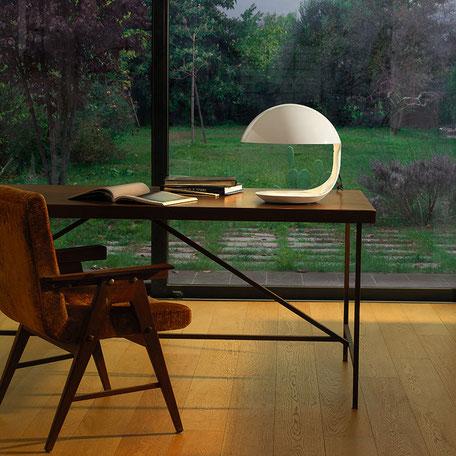 Schreibtisch am Fenster