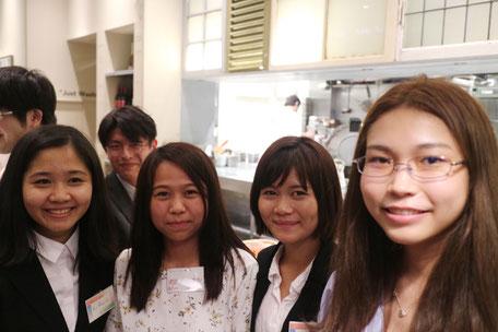 ミャンマー採用の社員たち。日本に来て不安なことがあっても頼れるミャンマーの先輩が多くいるので安心です。