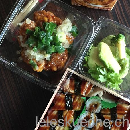 Ein Mittagessen aus dem Traiteur… Avocado und Kartoffelsalat, Poulet und Aal-Sushi