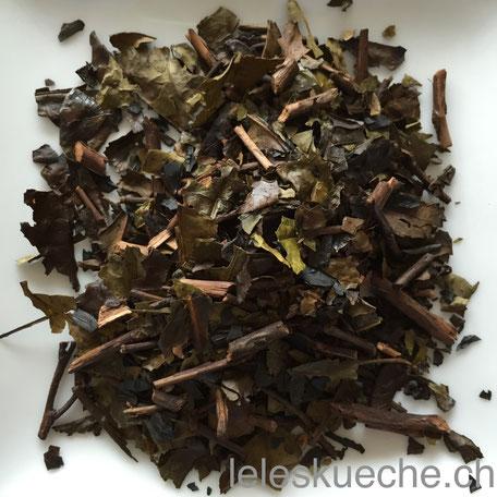 Knapp verkohlte Iriban-Teeblätter aus Kyoto