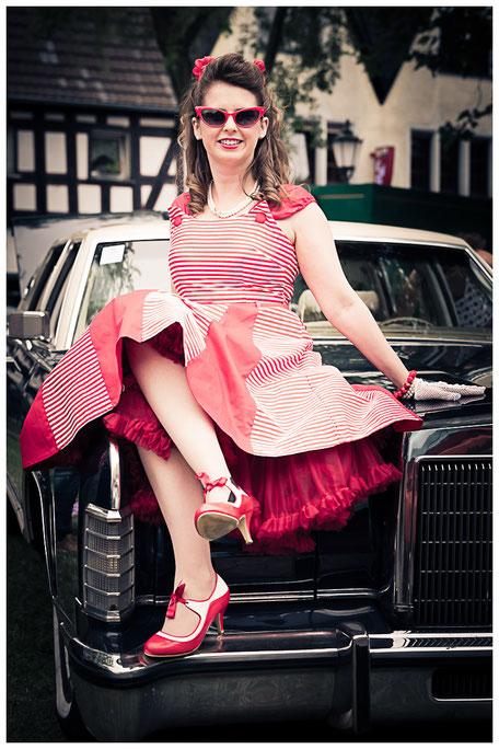 Die Rheinbach Classics bieten jedes Jahr einen schönen Rahmen für Aufnahmen in Petticoat-Kleidern.