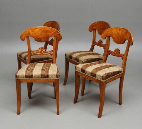 Wir restaurieren, verkaufen und kaufen nun schon seit mehr als 30 Jahren Antiquitäten.