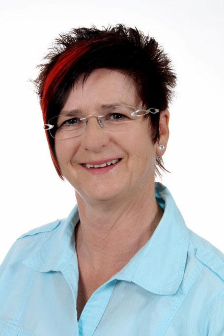Portrait Mathilde Voglreiter Ärztl. geprüfte Yogalehrerin Releasing-Therapeutin Yogaschule Schulungszentrum Voglreiter Bad Reichenhall