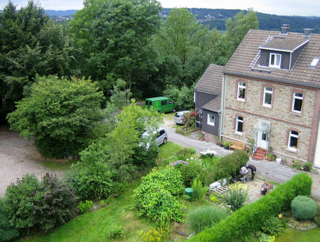 Haus & Garten 2009: mittlerweile haben wir Hof und Garten komplett umgestaltet