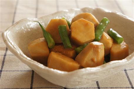 里芋の落花生味噌煮込み