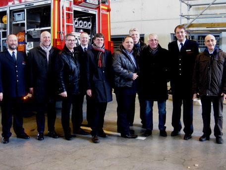 Die SPD-Mitglieder im NRW-Innenausschuss besuchen das Institut der Feuerwehr in Münster