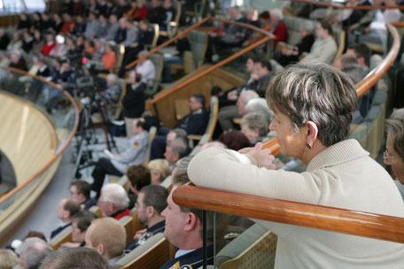 Ein Blick auf die Besuchertribüne (c) Alle Rechte liegen beim Landtag NRW