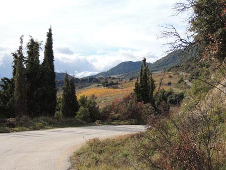 Die Berge der Peleponnes runter...