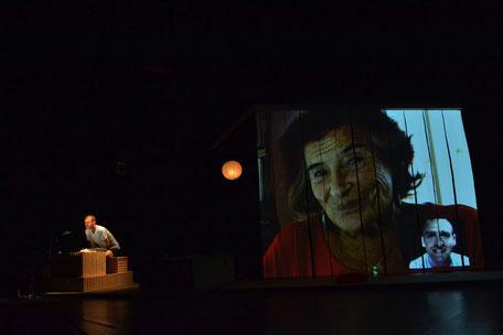 Photo (c) Isabelle Vignaud - J'avance et j'efface - Théâtre à cru - Alexis ARMENGOL