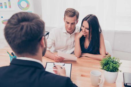 Le Collège CEI propose un programme de formation complet pour devenir courtier hypothécaire et vous préparer aux examens de certification de l'AMF.