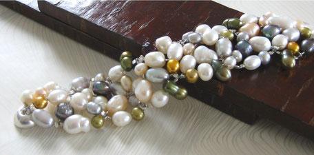 Unikat Armband Unique Perlen barock weiß bunt Magnetverschluss