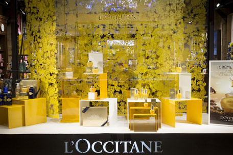 l'occitane-decorative-panels-for-shop-window-guely-for-caino-design