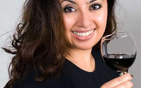 kvinna med vinglas