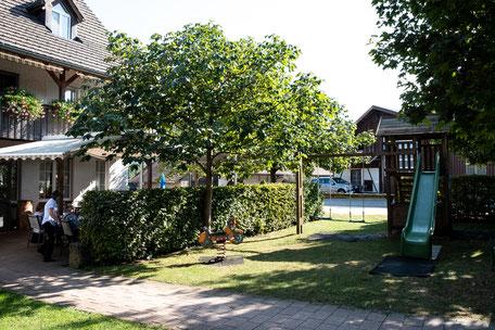 Spielplatz neben der Terrasse