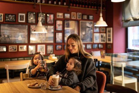 Mutter mit Kindern im SPIGA Chur