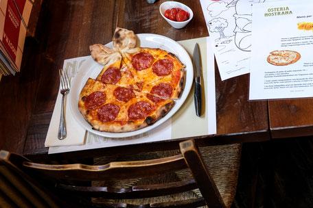 Kinderpizza und Malvorlage