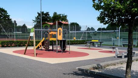 Kinderfreundliches Restaurant mit Spielplatz