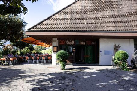restaurant mit blick auf den spielplatz