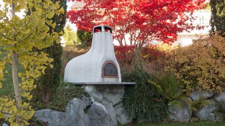 Pizzaofen-im-Garten-gebaut-vom-Pizzaofenbauer
