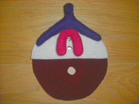 Beckenbodenmodell flach aus Wollfilz mit Klitoris