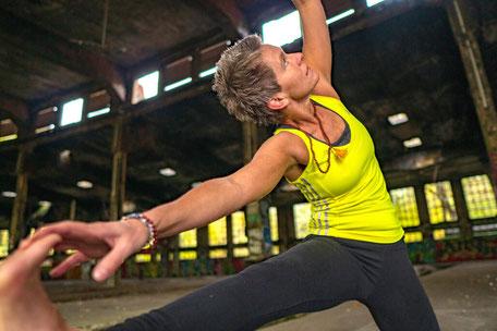 Claudia Poggemann Kursbeschreibung Yoga Online Kurse