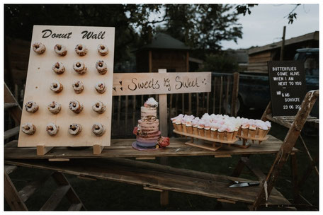 donuts sweet table bruidstaart weddingcake donutwall ijshorentjes unieke bruiloften bruiloft trouwen