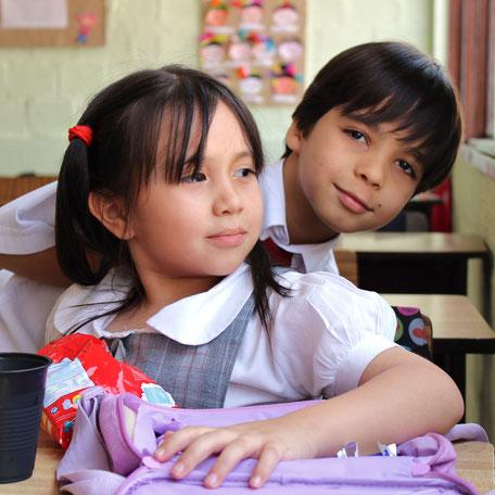 Kinder des Colegio Ekklesía im Klassenzimmer