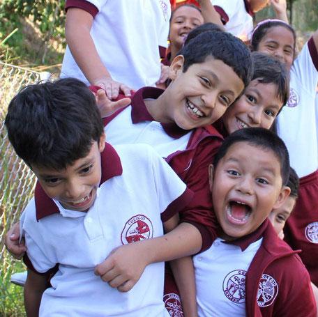 Kinder des Colegio Ekklesía Kolumbien direkt e.V.