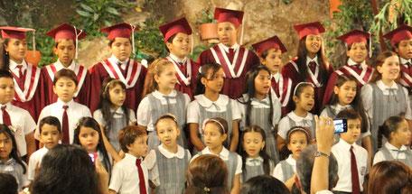 Abschlussfeier des Colegio Ekklesía in Cali, Kolumbien