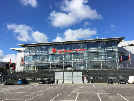 Die Sparkassen-Arena in Kiel ist die Spielstätte des THW Kiel in der DKB Handball-Bundesliga
