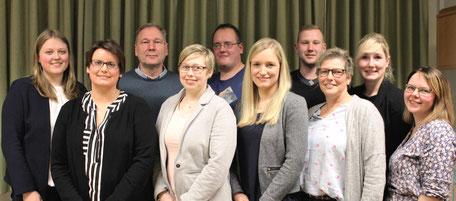 Das Bild zeigt den Vorstand und die geehrten Mitglieder des Spielmannszuges