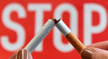 In Schweden wird es zunehmend ungemütlich für Raucher. Erklärtes Ziel von Ministerpräsident Stefan Löfven ist es, das Land bis 2025 rauchfrei zu machen.  Foto: APA/HELMUT FOHRINGER