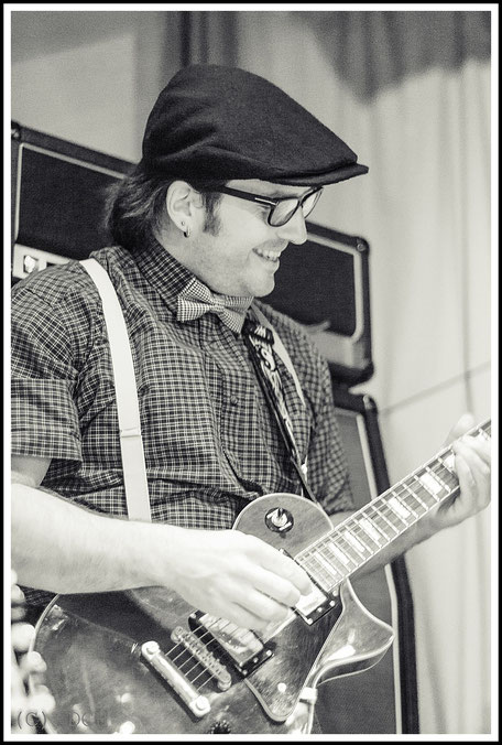 Martin Schott - Gitarre/Backing Vocals