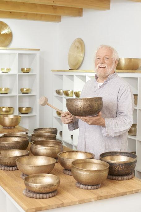 Peter Hess Klangschalen, Klangmassage, Klangschalenarten
