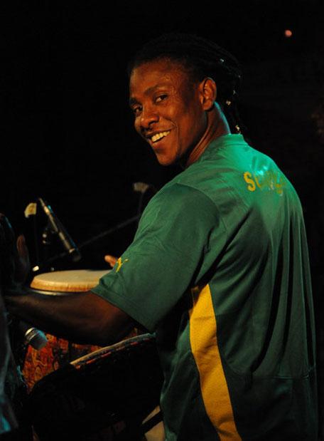 Abou Konté - Batteur de Djembe, Sabar et Doundoun