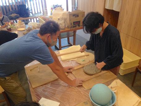 大阪府吹田市のWASH建築設計室。イベントで手を使った活動を応援しています。