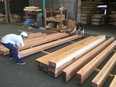 大阪府吹田市のWASH建築設計室。設計監理には木材管理も含まれます。