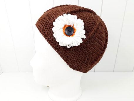 Sommer Häkelmütze braun mit Blume