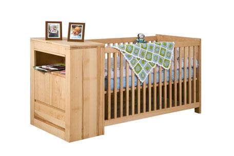 Babybett mit integrierter WIckelkommode Buche massiv