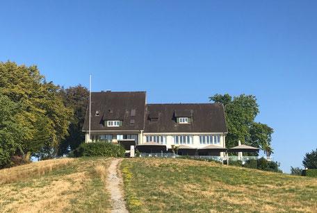 Der Langasthof Halbinsel Au bietet Seminar- und Übernachtungsmöglichkeiten.