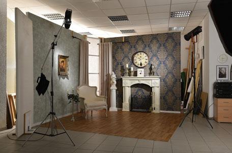 Fotostudio mit Setaufbau für Hochzeiten.