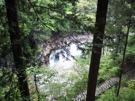 吹割の滝の階段