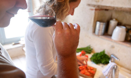 VinoLoire - Vincent Delaby - Excursions privilégiées dans les domaines vignobles du Val de Loire - Les extras - Dégustation à domicile ©Jacky Blot