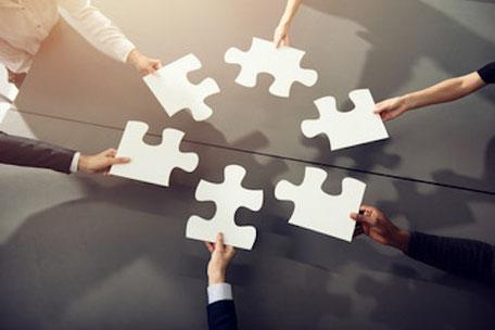 comment manager génération y - manager génération z - collaboration intergénérationnelle - différence intergénérationnelle travail - equipe intergenerationnelle - gestion intergénérationnelle en entreprise - générations au travail